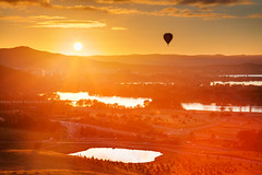 Up Up And Away || CANBERRA || AUSTRALIA (rhyspope) Tags: australia aussie canberra act australian capital territory morning sunrise sunset hot air balloon warm golden red orange glow view vista sky cloud sun rhys pope rhyspope canon 5d mkii lake dam water reflection