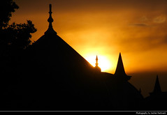 Sunset, Süleymaniye Camii, Istanbul, Turkey (JH_1982) Tags: süleymaniye camii mosque moschee suleymaniye landmark building ottoman architecture mimar sinan sky evening glow yellow orange silhouette sunset ocaso sonnenuntergang coucherdesoleil pôrdosol tramonto закат zonsondergang zachódsłońca solnedgång solnedgang auringonlasku apus залез matahariterbenam mặttrờilặn 日落 日没 istanbul estambul istambul 伊斯坦堡 イスタンブル 이스탄불 стамбул byzantium constantinople turkey türkiye cumhuriyeti türkei turquía turquie turchia turquia 土耳其 トルコ 터키 турция