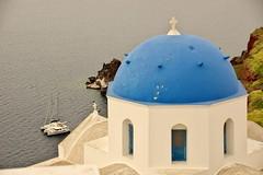 Grey morning (Santorini, Greece) (armxesde) Tags: pentax ricoh k3 greece griechenland santorin santorini kykladen cyclades insel island ägäis aegean oia ia meer sea wasser water church kirche kuppel dome blue blau