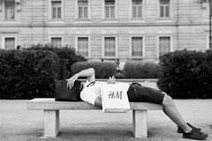 Headless (aiello_gioioso) Tags: trieste streetphotography bw walkingstreet italy street streetart streetphotographer streetlife bwlover blackandwhite bwphotography sonyalpha sony istillshootfilm film italia streetphotobw candid life vintagelens bnwphotography lensculture sonya6000 manual reportage psyconerd minolta mc rokkor 58mm f14 bokeh headless head hm relax strange strangepeople