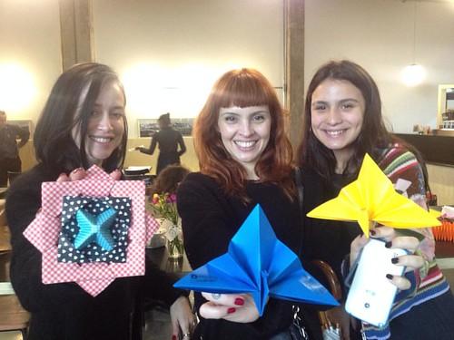 Olha que legal. Dar um pavão de origami fera uma conexão super-legal com as pessoas. #origami #economoiadopresente