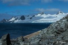 """""""Beleza Extrema"""" (JJSantosphoto) Tags: jjsantos jjsantosphoto canon travel viagem peninsulaantarctica expediçãoantarctica peninsula expedição antarctica glaciar geleira mar oceano montanhas cumes neve rochas arlivre antartida antartica landscape natureza"""