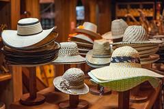 2011-Venezuela-Caracas-0024.jpg (Casal Partiu Oficial) Tags: chapeu artesanato caracas venezuela hat craftsmanship distritocapital ve