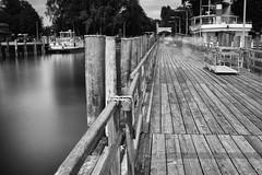 (Px4u by Team Cu29) Tags: langzeitbelichtung ammersee steg boot schifffahrt see seefahrt tourismus touristen urlaub erholung entspannung unterhaltung verkehr anlegestelle strasenlaterne strasenbeleuchtung ufer stegen