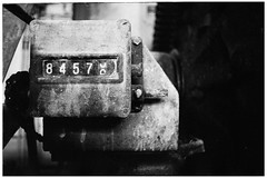 84575 1/2 (masine) Tags: urbex asa1600 hp5 stillstand industrie xd7 manualfocus 35mm film mechanik analog pushed nummer zählwerk zahl porzellanfabrik selbstentwickelt kleinbild xtol technik 135 ilford schwarzweis verlassen minolta industry number counter machine old abandoned lost factory jakobsburg arzberg