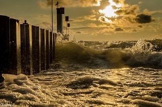 Rough waters Sunset Cloud - Sky Waves Crashing Nikon D7000 Canada Coast To Coast Ontario, Canada NikonLife The Week On EyeEm At The Beach