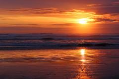 Seaside Beach Sunset (russ david) Tags: seaside beach sunset or oregon april 2017 pacific ocean clatsop county clouds waves golden