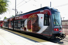 San Diego Trolley (So Cal Metro) Tags: trolley sandiegotrolley metro transit mts sandiego siemens lrt lrv tram lightrail wrap ad advertising promotion marketing s70 sd8 s70us car4055 ruthschris ruthschrissteakhouse steakhouse