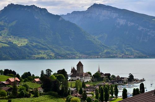 Schloss Spietz and Lake Thum
