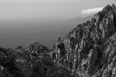 Juste un monochrome (François Tomasi) Tags: lescalanquesdepiana piana corse corsica noiretblanc blackandwhite france europe filtre traitement landscape françoistomasi yahoo google flickr lights light lumière pointdevue pointofview pov reflex nikon paysage travel tourisme clouds cloud nuages nuage sky ciel numérique digital photo photographie photography photoshop septembre 2017