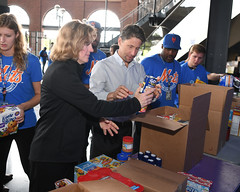 "20170920.Hurricane Relief with The Mets • <a style=""font-size:0.8em;"" href=""http://www.flickr.com/photos/129440993@N08/36955573630/"" target=""_blank"">View on Flickr</a>"
