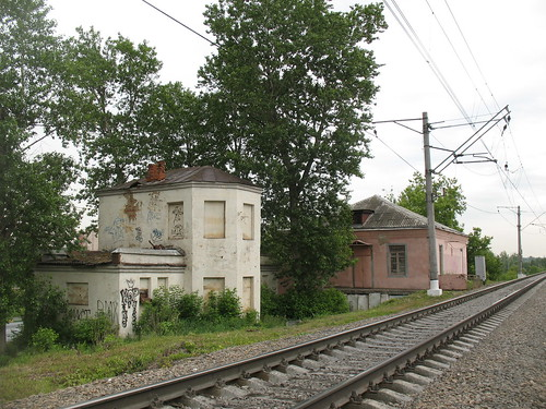 Abandoned signal building at former Rastorguevo RZD station