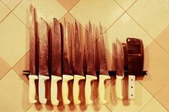 Solo cuchillo... (Christtian Alex) Tags: cuchillos carnicería carne