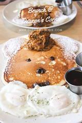 Brunch at Deacon's Corner in Gastown (Suzie the Foodie www.suziethefoodie.com) Tags: deaconscorner gastown vancouver brunch restaurantreview suzie foodie