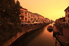 Sunset on the canal (iorus and bela) Tags: bela iorus 2017 milan milano italy italia citytrip weekendbreak navigliogrande canal sunset