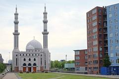 ROTTERDAM - ESSALAM MOSQUE (Maikel L.) Tags: europe europa niederlande nederland netherlands paisesbajos holland rotterdam moschee moskee mosque religion islam islamisch islamic muslim muslime architecture architektur worship feijenoord minaret kuppel coppola praying gebet