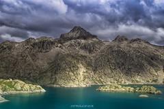 Lago de Bachimaña. (copelius38) Tags: montaña lago embalse agua luz mountain pirineos colores nubes refugio rocas isla arboles trekking