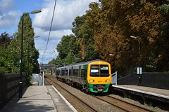 323213, Wylde Green (JH Stokes) Tags: 323213 class323 emu electricmultipleunits londonmidland autumn wyldegreen crosscityline publictransport trains trainspotting t tracks transport railways photography
