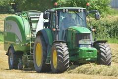 John Deere 7430 Tractor with a McHale Fusion 3 Baler Wrapper Combi* (Shane Casey CK25) Tags: john deere 7430 tractor mchale fusion 3 baler wrapper combi jd green baledsilage swarth mitchelstown silage silage17 silage2017 2017 17 grass grass17 grass2017 winter winterfodder fodder feed contractor land field farm farmer farming agri agriculture work working machinery machine cut nikon d7100 county cork ireland irish ciągnik traktori tracteur traktor trekker trator horse power horsepower hp pull pulling