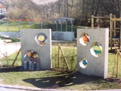 P1040209 (mo_metalart) Tags: playground galactictoy kineticartforplayground spielplatzkunstobjekt drehbarekugeln