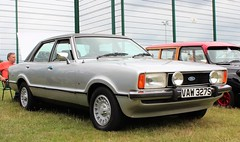 VAW 327S (Nivek.Old.Gold) Tags: 1978 ford cortina 20 ghia mk4