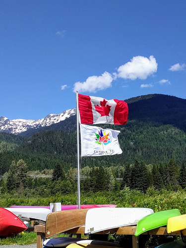 Canoes and mountains for Canada 150