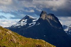 Romsdalshornet (DoctorMP) Tags: norwegia norway norge moreogromsdal góry lato summer mountains romsdal romsdalsalpene romsdalseggen hiking romsdalshornet olaskarstinden