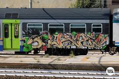http://stolenstuff.it  Raw (stolenstuff) Tags: stolenstuff graffitiblog running check4stolen raw trc graffititrain graffiti benching diretto new livery