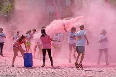 The color run - The pink lane (Red Cathedral [FB theRealRedCathedral ]) Tags: sony a6000 eventcoverage sonyalpha mirrorless ocr strongmanrun gladiatorrun colourrun mudrun obstaclerun alpha colorrun thecolorrun holi pink pnk roze powder running girlsrunning race brussel brussels bruxelles tour taxis havenlaan miniskirt