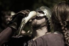 Viking Drinking Horn (pepsamu) Tags: viking drinkinghorn drinking horn cuerno vikingo medieval canon canonistas 60d battle field war guerra contienda soldado guerrero warrior tralee campamento