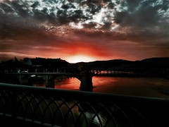 I keep telling you: Chattanooga has the best sunsets. Anywhere. (Roland 22) Tags: flickr tennesseeriver walnutstreetbridge marketstreetbridge red orange sky clouds shadow light reflectiondusk glow evening sunset chattanoogatennessee