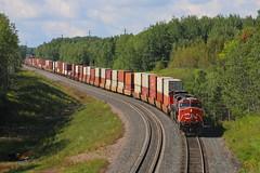 Duluth, Minnesota (UW1983) Tags: trains railroads canadiannational cn stacktrains steeltonhill helpers duluth minnesota