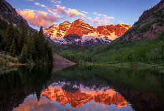 Maroon Bells Sunrise (NickSouvall) Tags: sunrise light first morning blue sky pink red clouds alpenglow maroon bells lake colorado aspen green trees reflection peaks mountains mountain