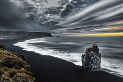 Vik Islande (EtienneR68) Tags: landscape bleu blue hills mer montagne mountain nature paysage vik sea water sunrise marque a7r2 a7rii sony pays islande iceland type longexposure
