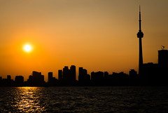 Last Night's Sunset (A Great Capture) Tags: agreatcapture agc wwwagreatcapturecom adjm ash2276 ashleylduffus ald mobilejay jamesmitchell toronto on ontario canada canadian photographer northamerica torontoexplore summer summertime été 2017 skyline sunset lakeontario lake sundown dusk wardsisland islands silhouette