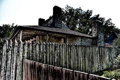 Les grumes verticales dominent le style colonial français (moonbird) Tags: missouri stegen stegenevievemo roadtrip ruralamerica smalltownamerica midwest friendliesttown frenchcolonial