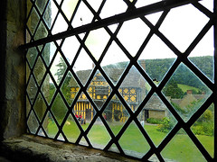 27vii2017 Stokesay 11 (garethedwards36) Tags: stokesay castle shropshire window pane leads light uk lumix building architecture