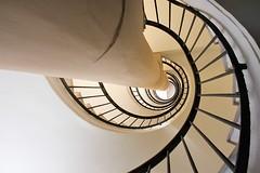 prinzenrolle (Fotoristin - blick.kontakt) Tags: düsseldorf stairs staircase spiral curves lines abstract architecture prinzenrolle fotoristin
