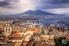 il vesuvio (Fabien Georget (fg photographe)) Tags: vésuve vésuvio nâples baiedenaples sea mer italie volcan landscape paysage sky cap ayezloeil beautifulearth bigfave canoneos600d canon elitephotography elmundopormontera eos fabiengeorget fabien fgphotographe flickr flickrdepot flickrunited georget geotagged flickunited mordudephoto paysages perfectphotograph perfectpictures wondersofnature wonders supershot supershotaward theworldthroughmyeyes shot photography photo greatphotographer french sunset napoli ville city cityscape