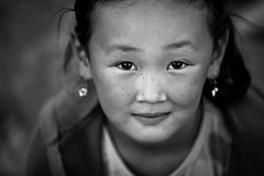 Kirghizistan: portrait (claude gourlay) Tags: kirghizistan kirghizie asie asia claudegourlay portrait retrato ritratti noiretblanc blackandwhite bw nb monochrome enfant kyrgystan kirghistan asiecentrale