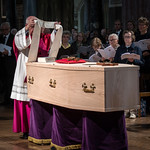 Funeral of Cardinal Cormac Murphy-O'Connor - Rite of Reception in Westminster Cathedral thumbnail