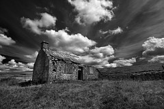Cracking up (images@twiston) Tags: crackingup gayle beck gaylebecklodge forgotten abandoned ruin derelict hunting lodge building cloud clouds landscape field imagestwiston blue sky white yorkshire northyorkshire ribblesdale dales national park yorkshiredalesnationalpark fields grass farm farmland moorland moor fells stonework godsowncountry hoya polarizer cirpl cpl bw mono blackandwhite noirblanc monochrome