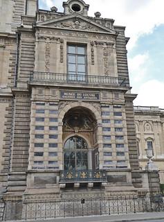 2017.07.14.055 PARIS - Le Louvre, Façade de la galerie d'Apollon