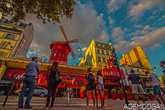 MOULIN ROUGE (01dgn) Tags: moulinrouge paris red sky colors city urban france fransa frankreich montmartre travel panorama peoples streetphotography