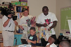 "thomas-davis-defending-dreams-foundation-leadership-academy-billingsville-0075 • <a style=""font-size:0.8em;"" href=""http://www.flickr.com/photos/158886553@N02/36995302266/"" target=""_blank"">View on Flickr</a>"