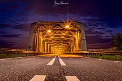 John S. Thompsonbrug (Jaap Mechielsen) Tags: europe grave brug nederland thenetherlands bluehour noordbrabant johnsthompsonbrug bridge europa nl