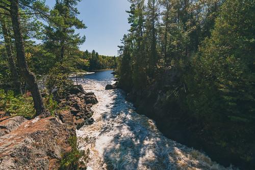 minnesota superiornationalforest vermilionfallsoverlook vermilionriver autumn fall forest river