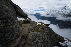 The Trail (Toni_V) Tags: m2404947 rangefinder digitalrangefinder messsucher leicam leica mp typ240 type240 28mm elmaritm12828asph hiking wanderung randonnée escursione wallis oberwallis valais alps alpen trail wanderweg sentiero fog nebel mist mattertal dof bokeh landscape summer sommer switzerland schweiz suisse svizzera svizra europe ©toniv 2017 170812