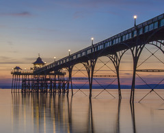 Sunset Glory (Wizard CG) Tags: clevedon somerset england sun set pier bristol channel sunset united kingdom english heritage grade 1 listed historical architecture arches piers severn river seascape landscape waterfront ngc cloudsstormssunsetssunrises outdoor ocean water sky shore seaside sand sea beach coast epl7 skyline 2017 august27