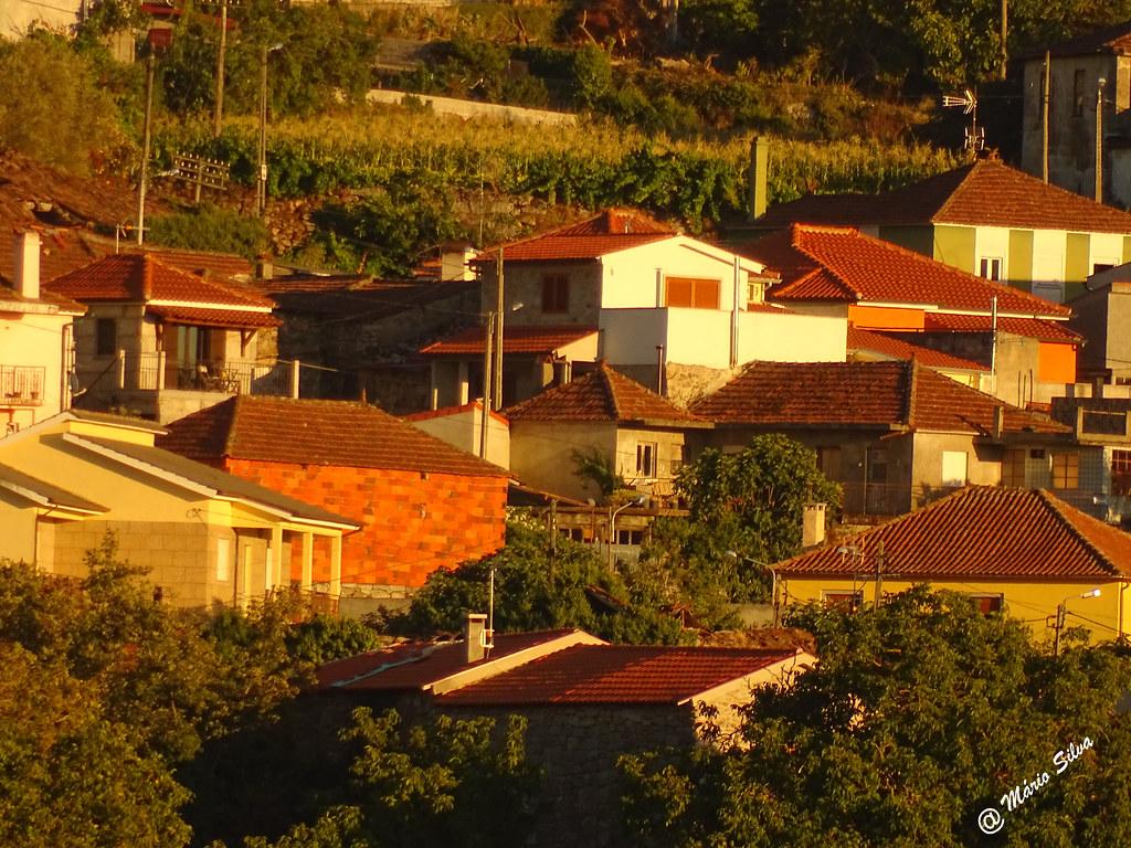 Águas Frias (Chaves) - ... vista parcial da Aldeia ...